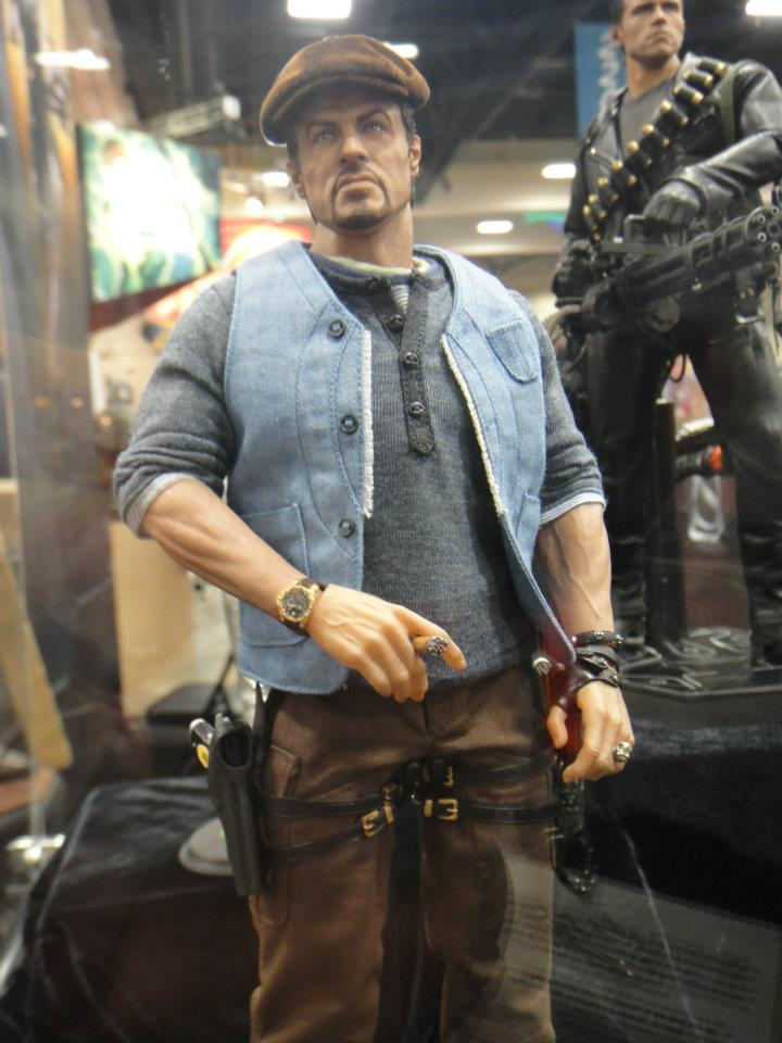 "HOTTOYS (figurine 12"" THE EXPENDABLES) - Page 6 320370_4962076437...067791_n-364655f"